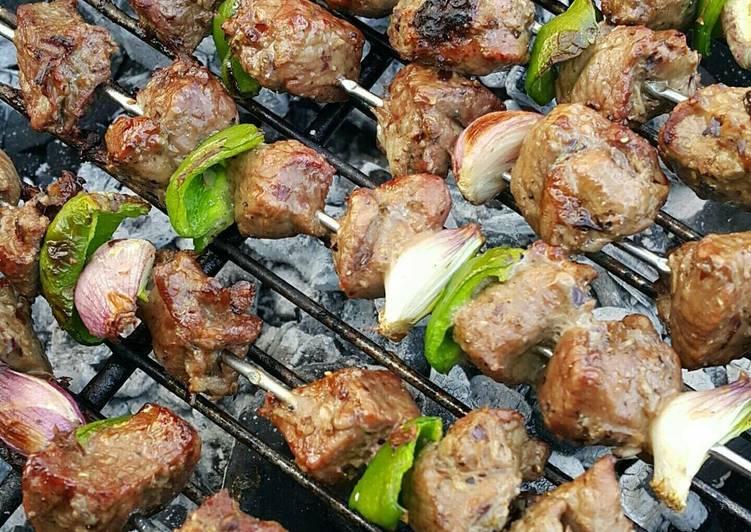 الصورة الرئيسية لوصفةمشاوي لحم على الفحم