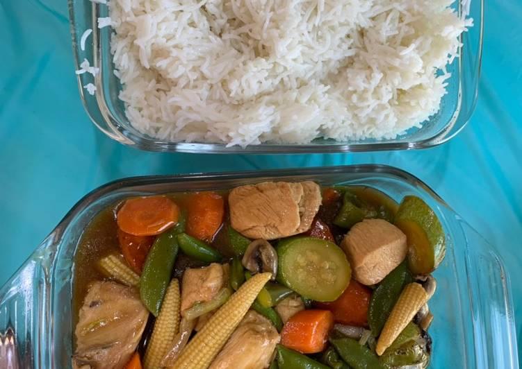 الصورة الرئيسية لوصفةدجاج بالخضار والصويا صوص مع الرز الابيض غداء صحي