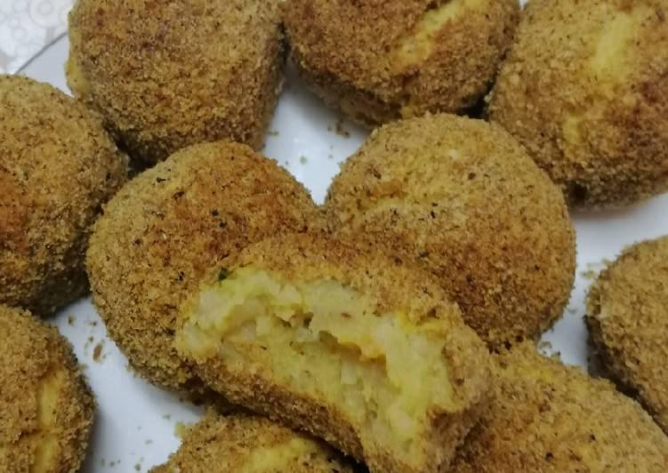 الصورة الرئيسية لوصفةكفتة بطاطس مع الدجاج مقليه أو مشويه في الفرن رائعه ولذيذه 🥔🍗 1