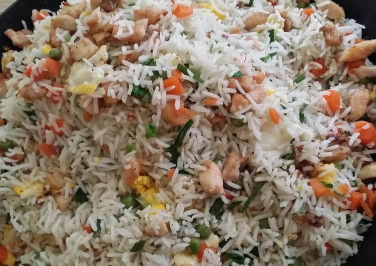 الصورة الرئيسية لوصفةرز مقلي بالدجاج chicken fried rice 1