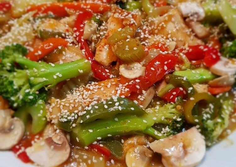 الصورة الرئيسية لوصفةصدر الدجاج المقلي مع الخضار chicken stir fry 1